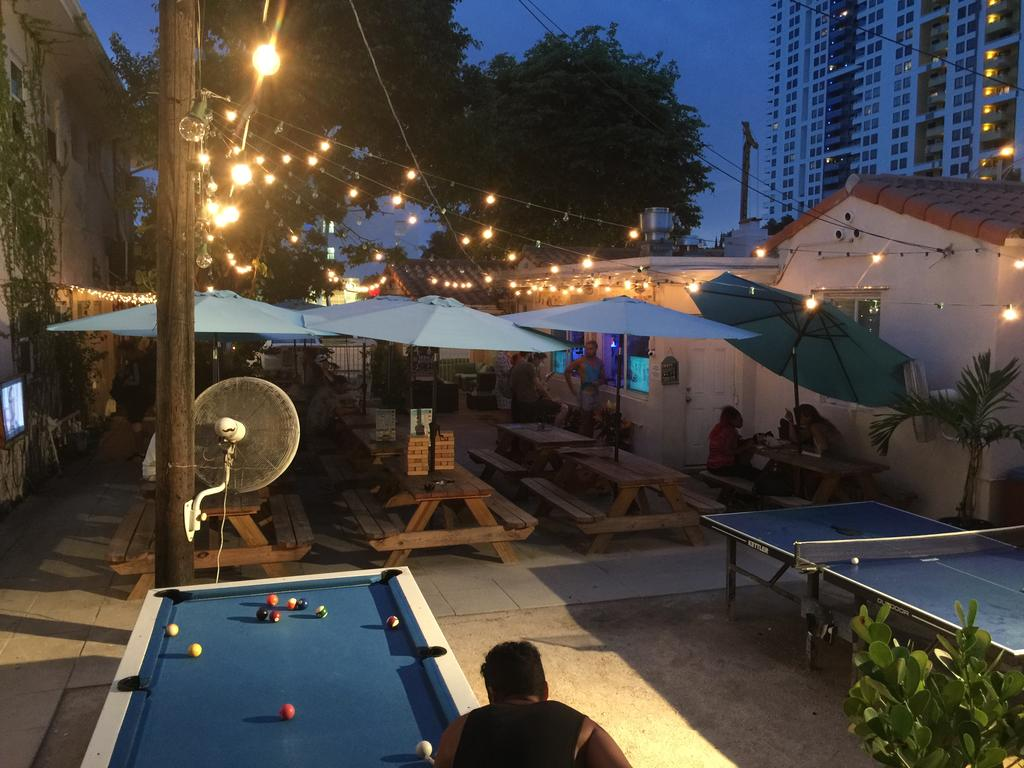 Bikini Hostel Cafe & Beer Garden Miami