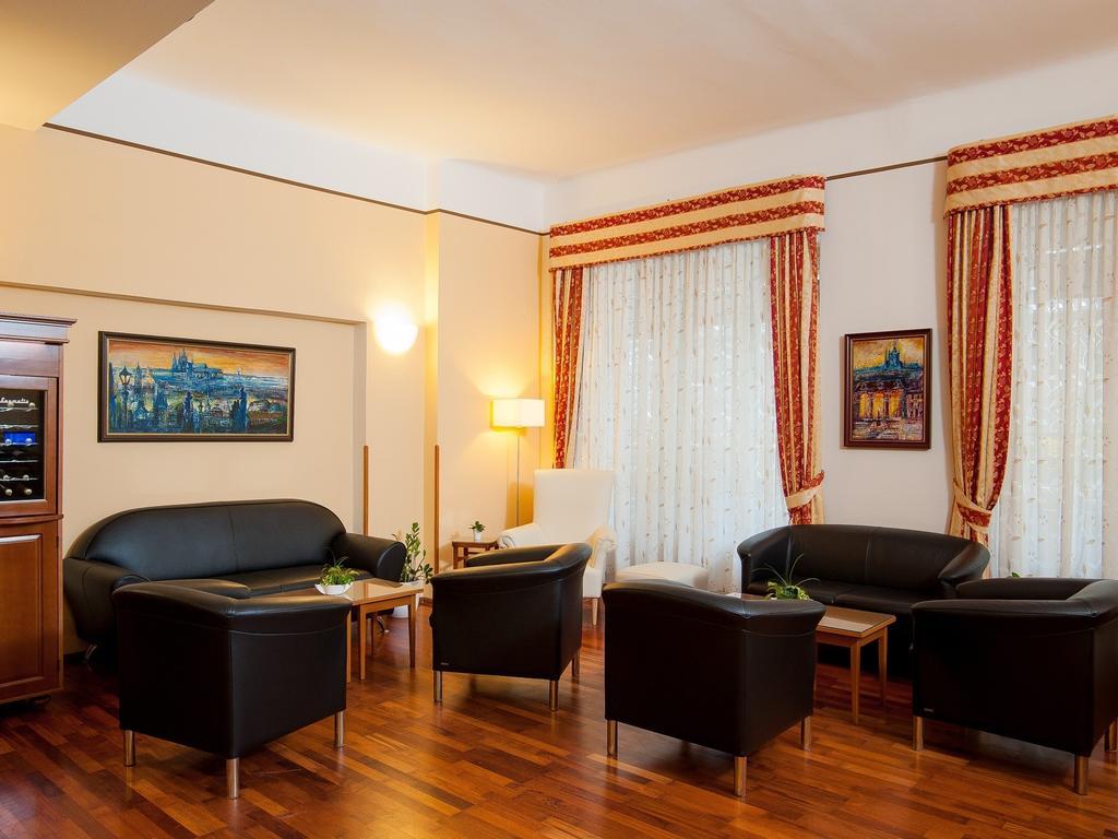 Cloister Inn Hotel Prague