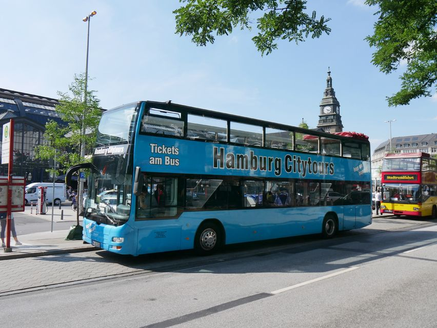 Explore-by-Hop-On-Hop-Off-Bus-and-Boat