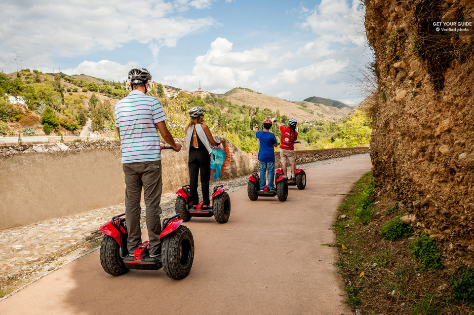 Roll-around-Granada-by-Segway
