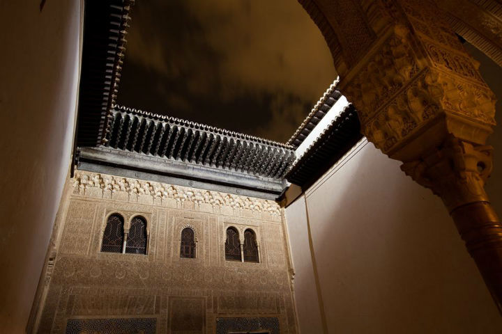 See-the-Alhambra-by-Night