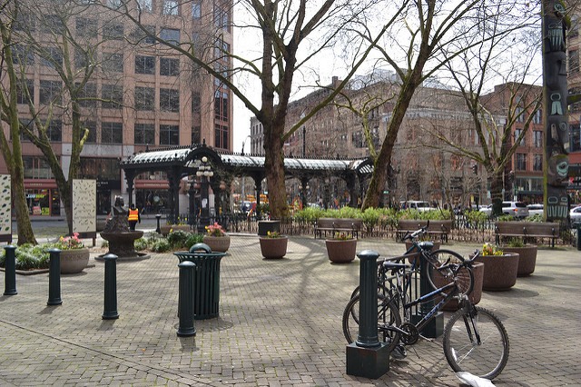 Stroll-through-Pioneer-Square