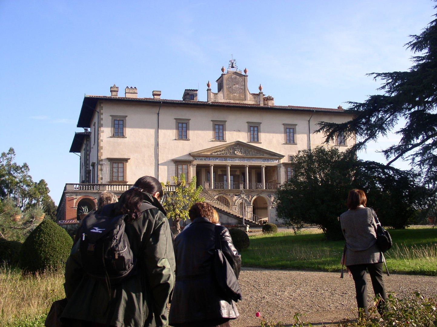 Tour-the-Medici-Villas
