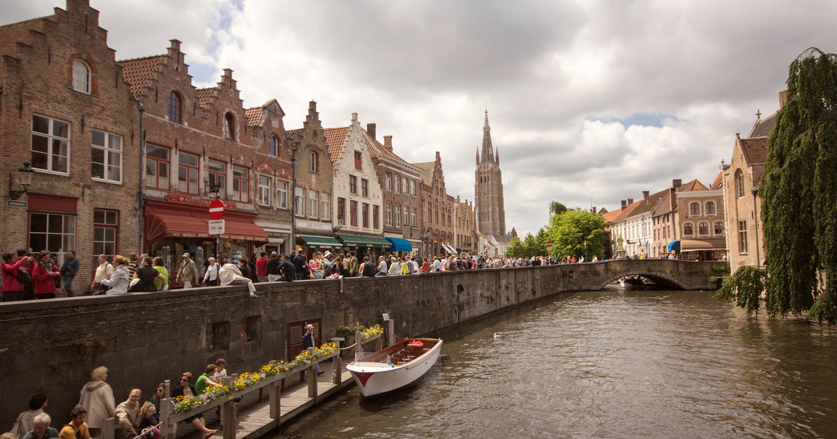 Bruges-Full-Day-Trip-From-Paris