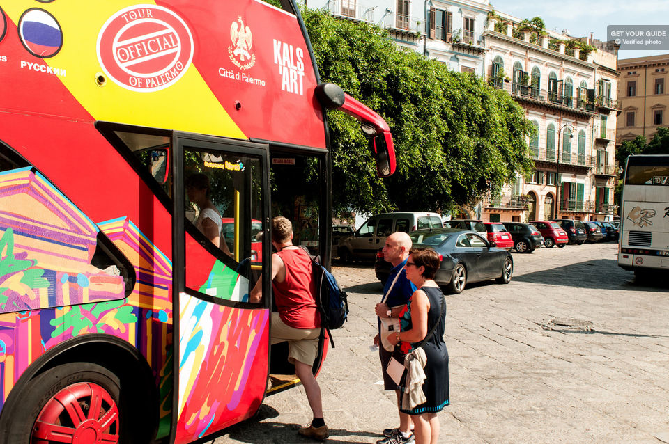 Explore-Palermo-by-Hop-On-Hop-Off-Bus