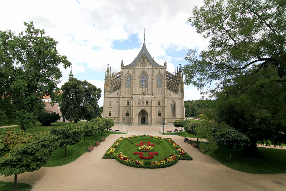 Kutna-Hora-and-Bone-Chapel-Tour-from-Prague