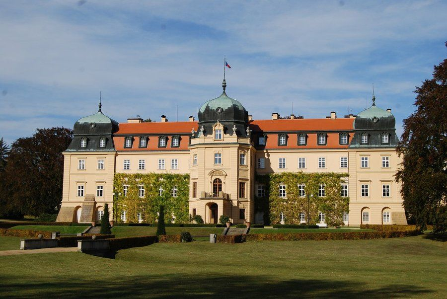 Lany-Castle-and-Krusovice-Brewery-Day-Trip-from-Prague