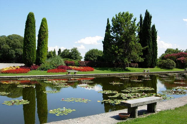 Relax-in-Pretty-Gardens-and-Parks
