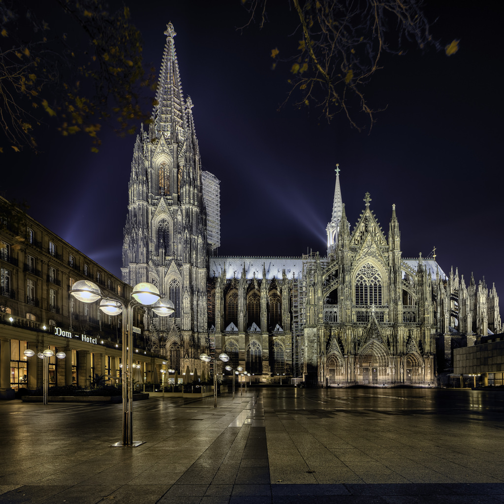 Admire-Cologne-Cathedral