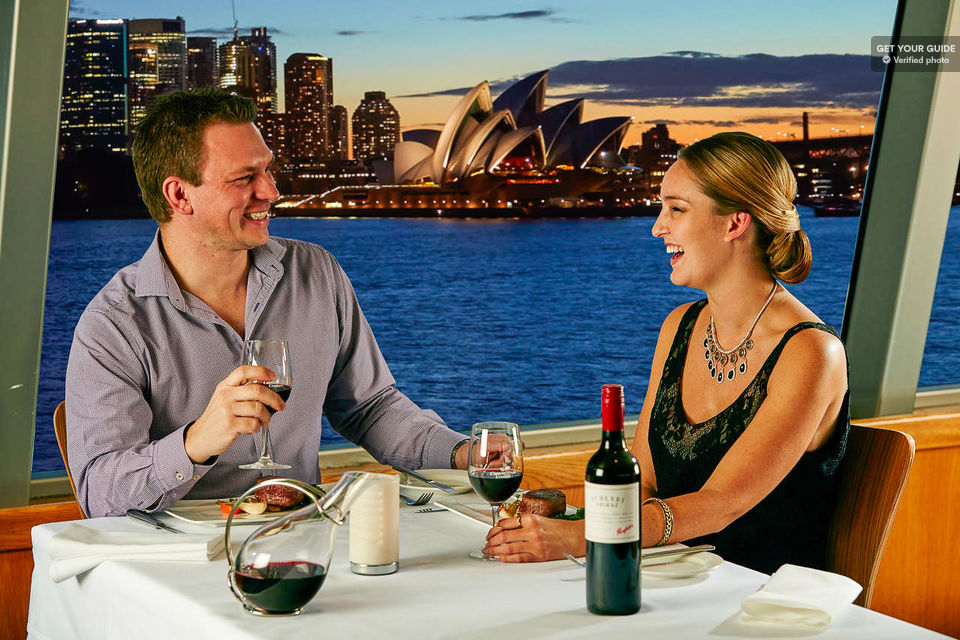 Dine-at-sunset-on-a-cruise-around-Sydney-Harbour