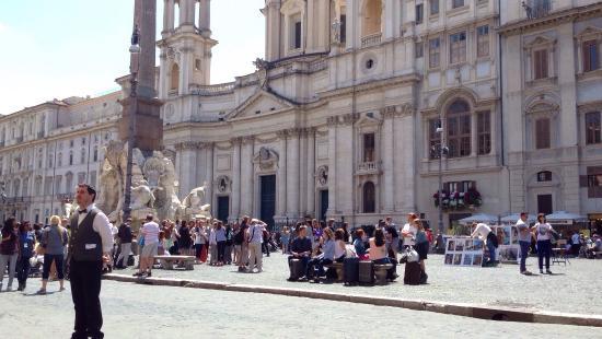Dine in Piazza Navona