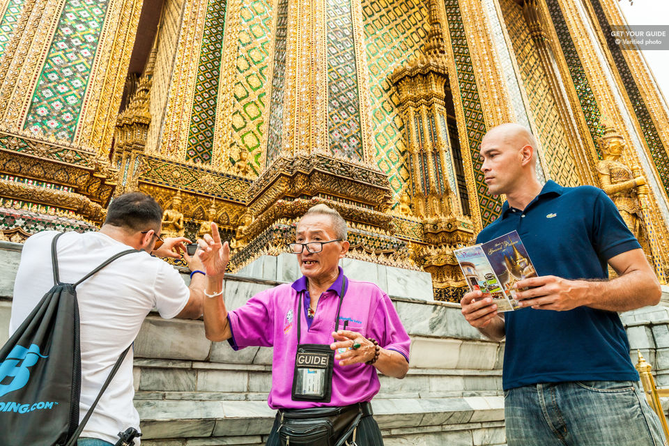 Discover-the-incredible-palaces-and-temples-of-Bangkok