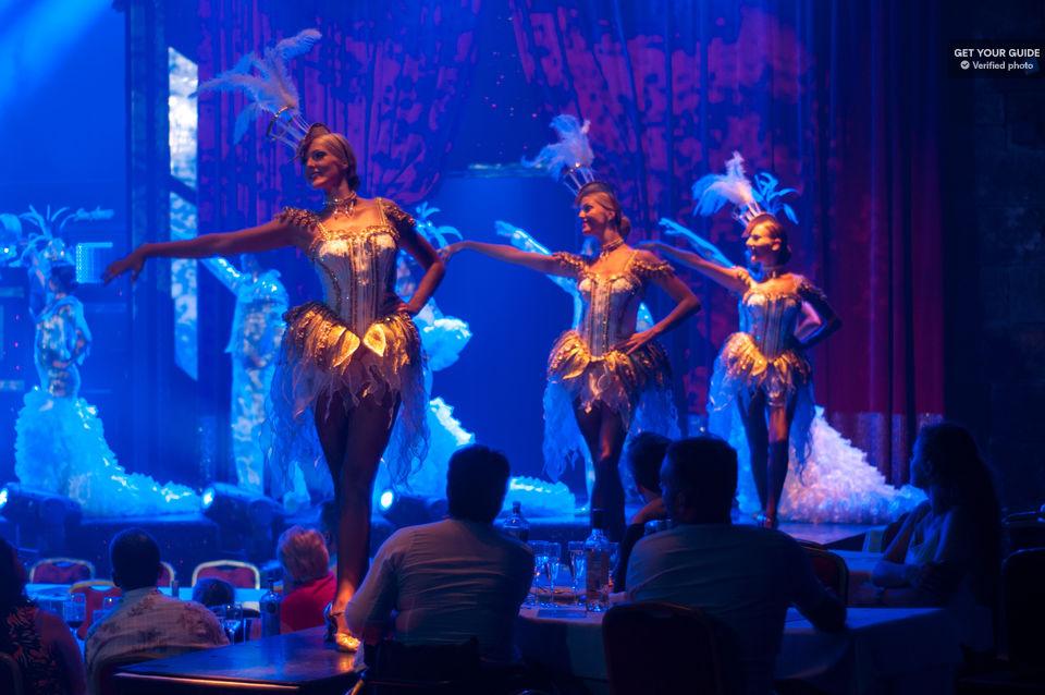 Enjoy-a-Lively-Cabaret-Performance