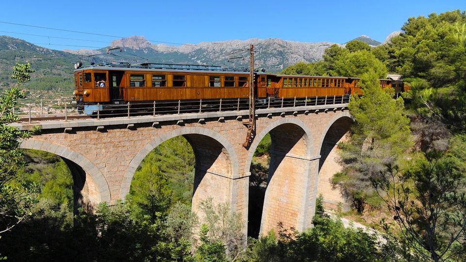 Ride-a-Historic-Railway