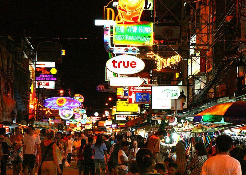 Witness-the-chaos-of-Khaosan-Road