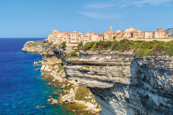 Experience-Local-Life-in-Bonifacio