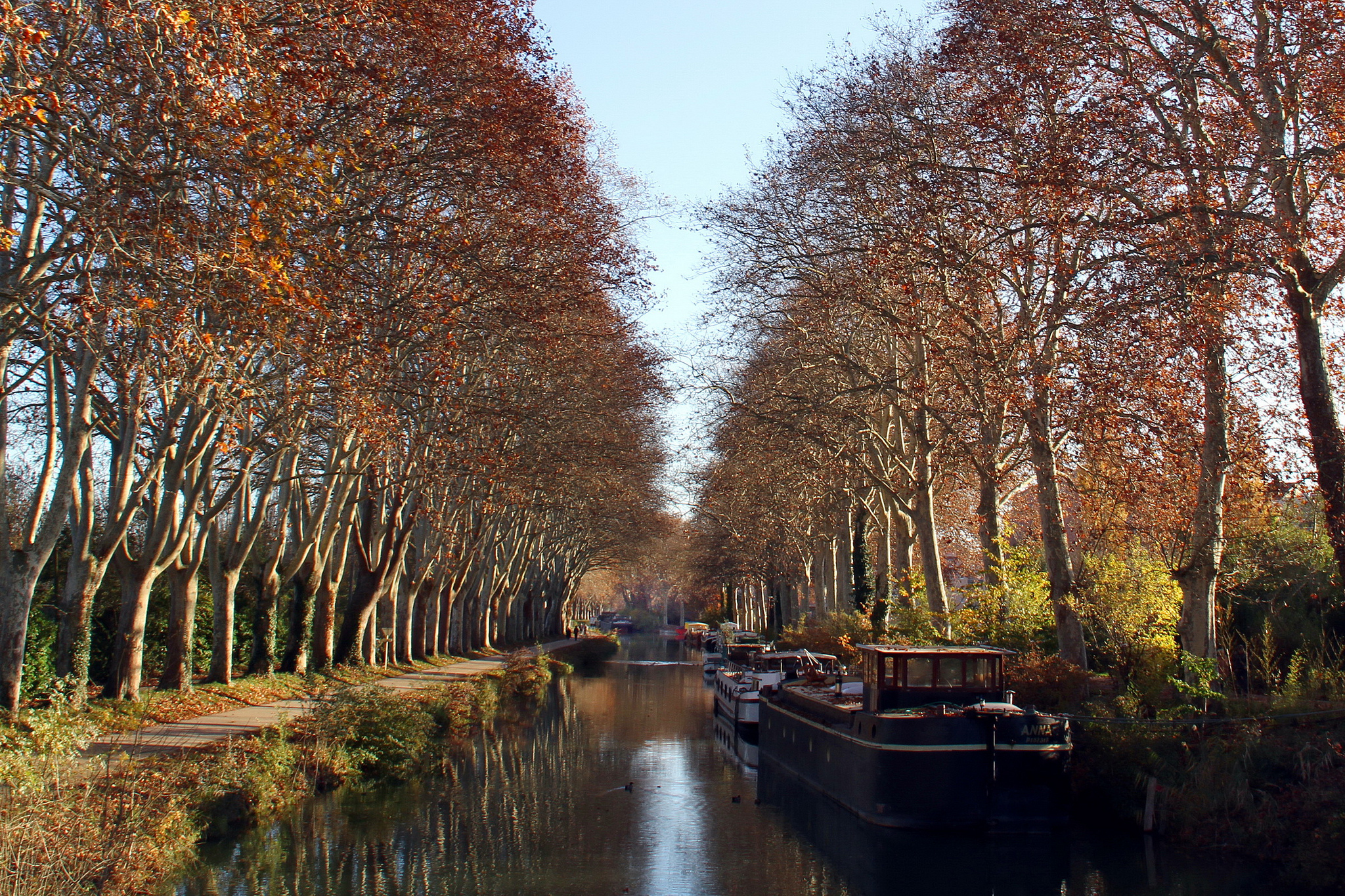 Walk-along-the-Oldest-Canal-in-Europe