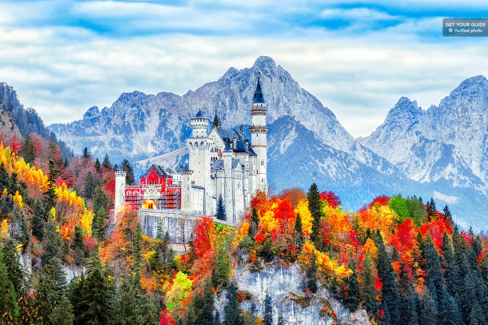 Admire-One-of-Germanys-Grandest-Castles