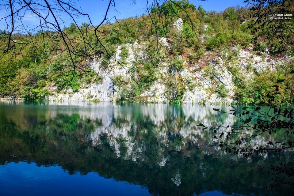 Admire-the-Plitvice-Lakes