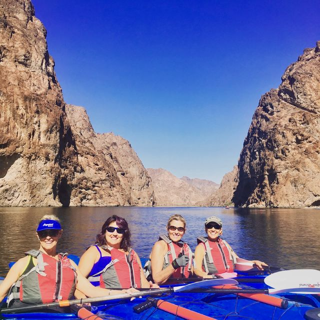 Kayak-in-Black-Canyon
