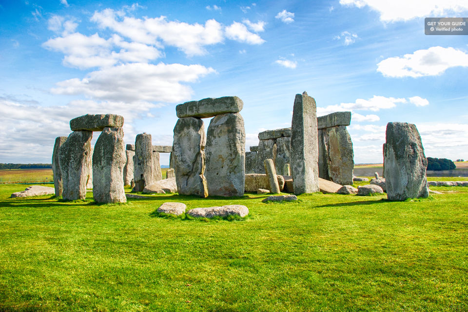Marvel-at-Stonehenge