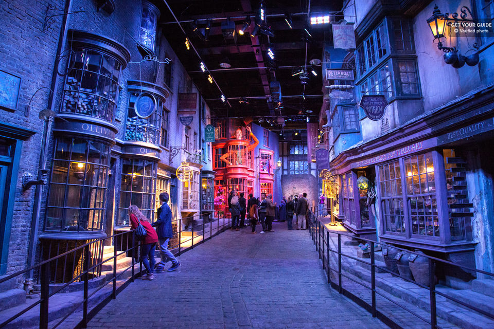 Step-into-the-World-of-Harry-Potter