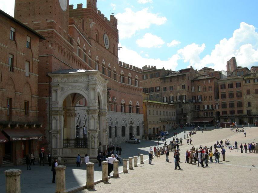 Stroll-around-Siena