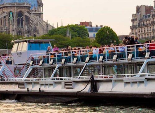Bateaux Mouches Seine Cruise
