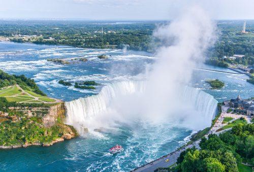 Niagara Aeroplane, Winer, and Chocolate Tour with Tastings, Canada