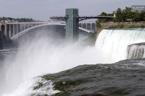 2-Day Niagara Falls and Shopping Tour