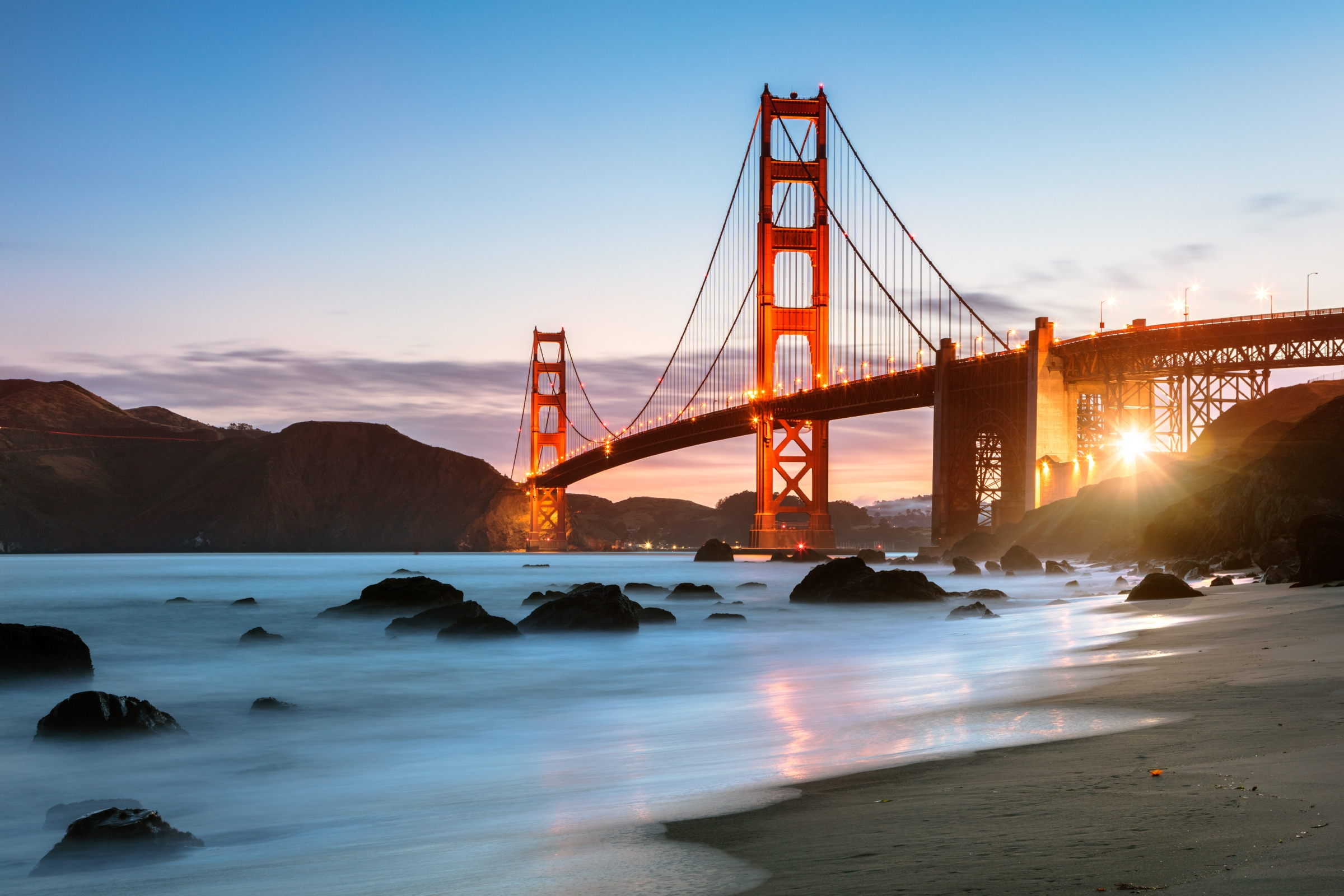 Dawn at the Golden gate bridge, San Francisco, USA