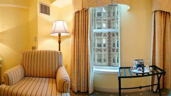 Hotel Commonwealth