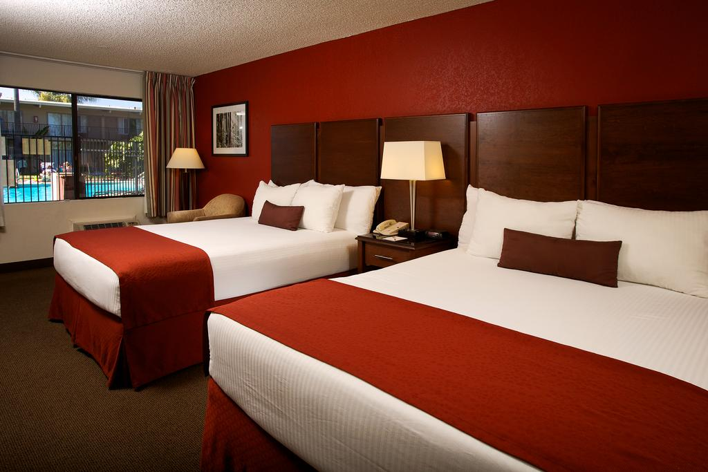 Ramada by Wyndham San Diego North Hotel & Conference Center