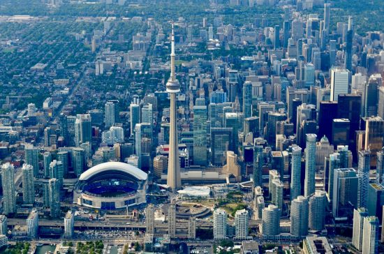 This is our INSIDER GUIDE for the best times to visit Toronto!