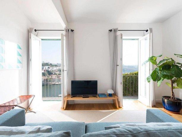 Arco Apartments