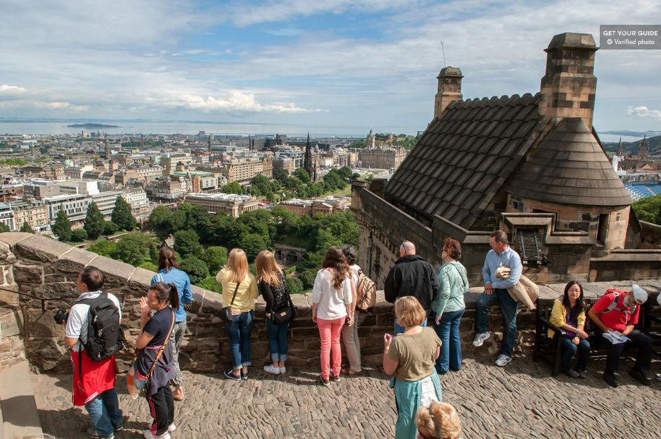 Visit the Edinburgh Castle