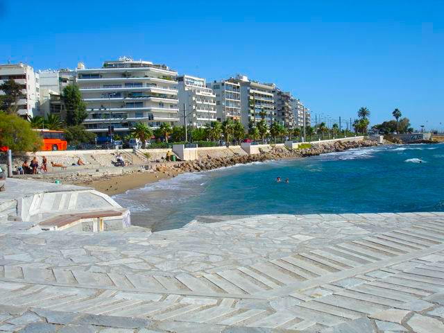 Visit the Seaside Town of Glyfada