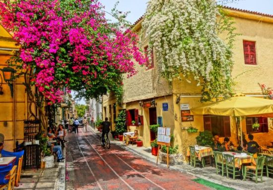 Walk around the Historic Neighborhood of Plaka