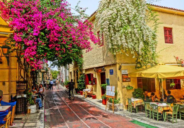 Walk around the Historic Neighborhood of Plaka