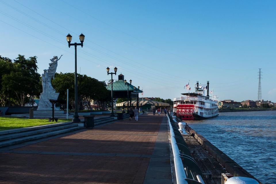 New Orleans Luxury Bus Tour