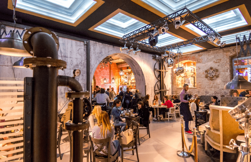 Fabrique Pub And Bar