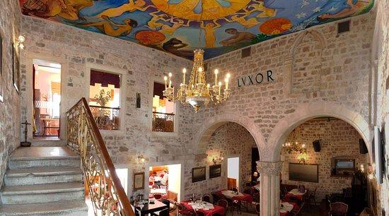 Luxor Cafe