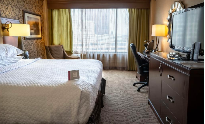 Crowne Plaza Hotel Dayton