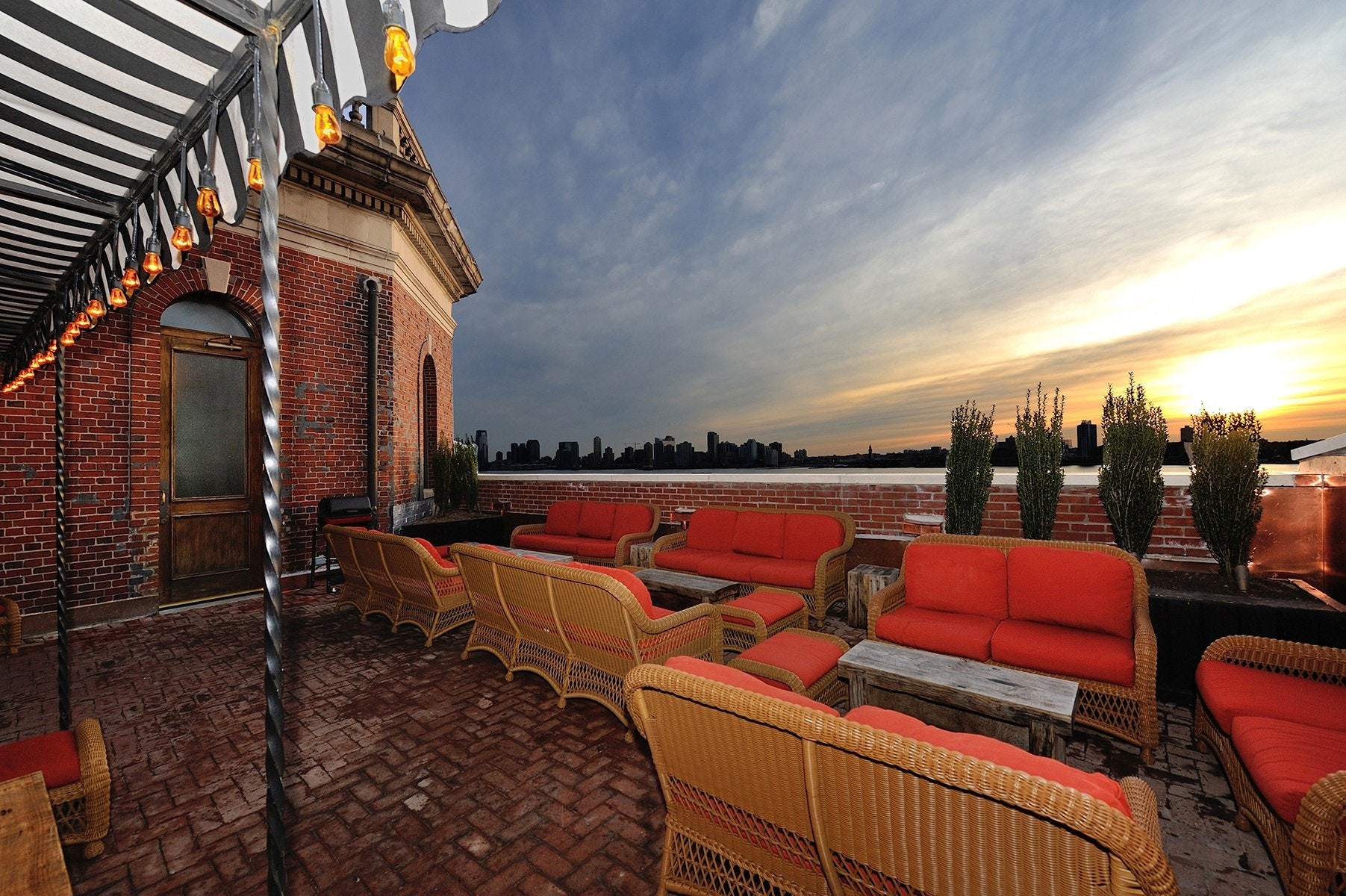 The Jane Rooftop - The Jane Hotel