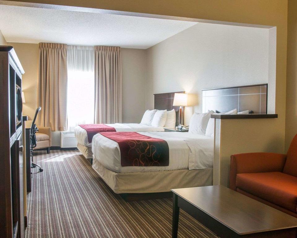 Comfort Suites Saginaw