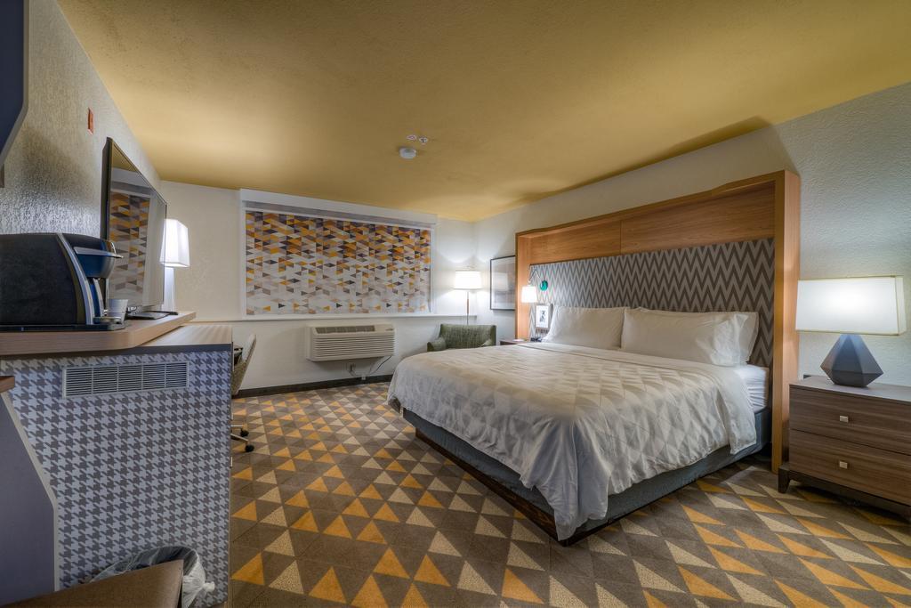 Holiday Inn - Tacoma Mall