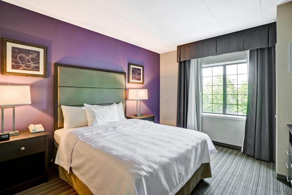 Homewood Suites by Hilton Eatontown