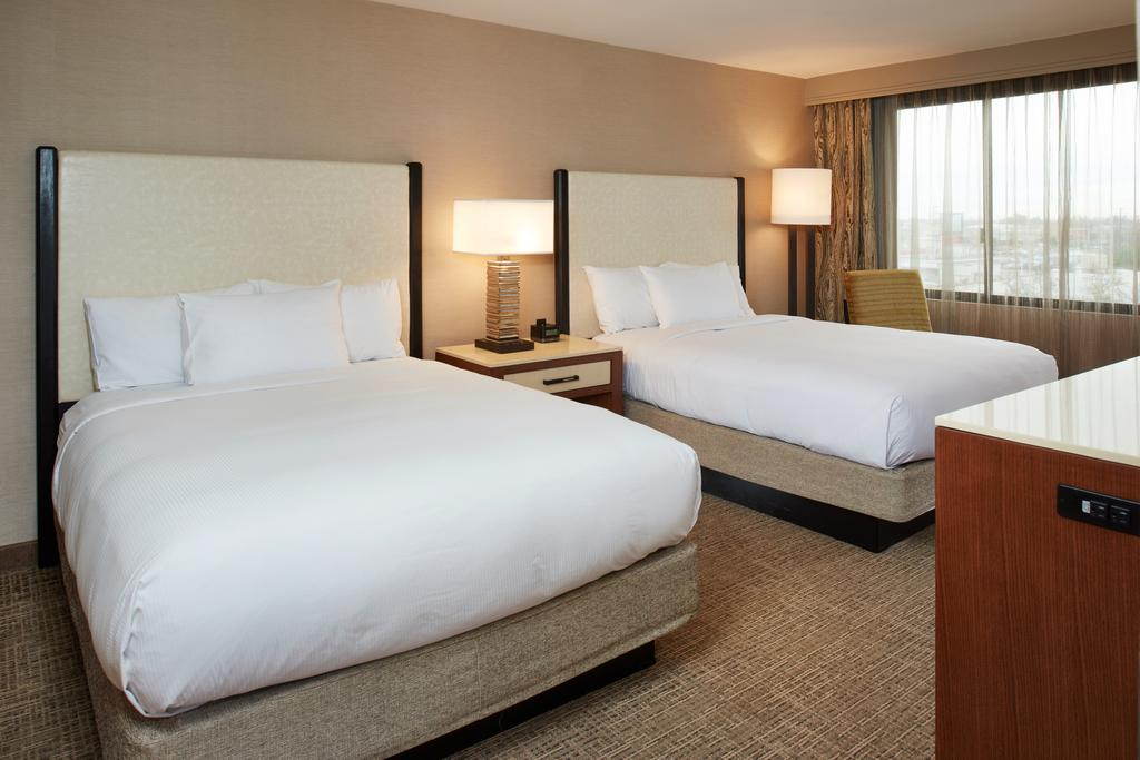 HotelDoubleTree by Hilton Fresno Convention Center