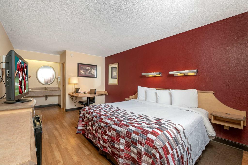 Red Roof Inn Detroit-Rochester Hills/ Auburn Hills