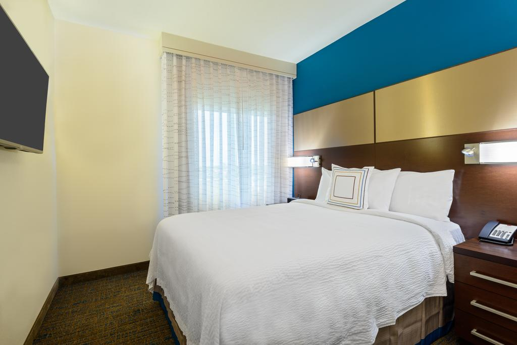 Residence Inn by Marriot Fort Myers at I75 and Gulf Coast Town Center